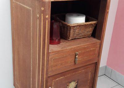 On donne une 2e vie à du mobilier ancien pour les salles de bain.